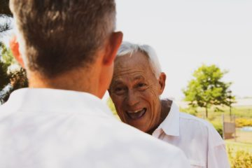 Stundenweise Verhinderungspflege ohne Pflegegeld-Kürzungen - Kurzzeitpflege - Alltagsbegleitung24
